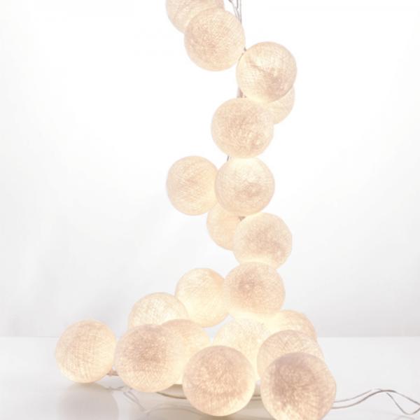 good moods* NATURBURSCHE - Ball-Lichterkette mit 35 Stoffkugeln - 35 warmweiße LEDs - Geschenkkarton