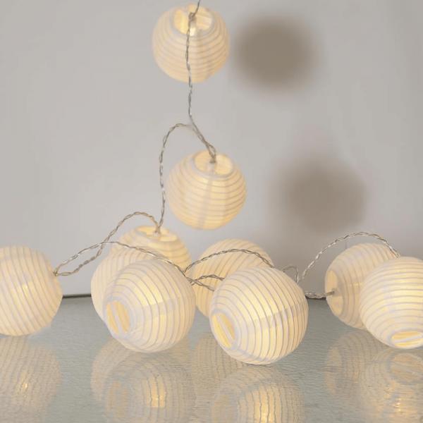 """LED-Lichterkette """"Festival"""" - 10 weiße Lampions mit warmweißen LEDs - 1,35m - inkl Trafo mit 3m Kabe"""