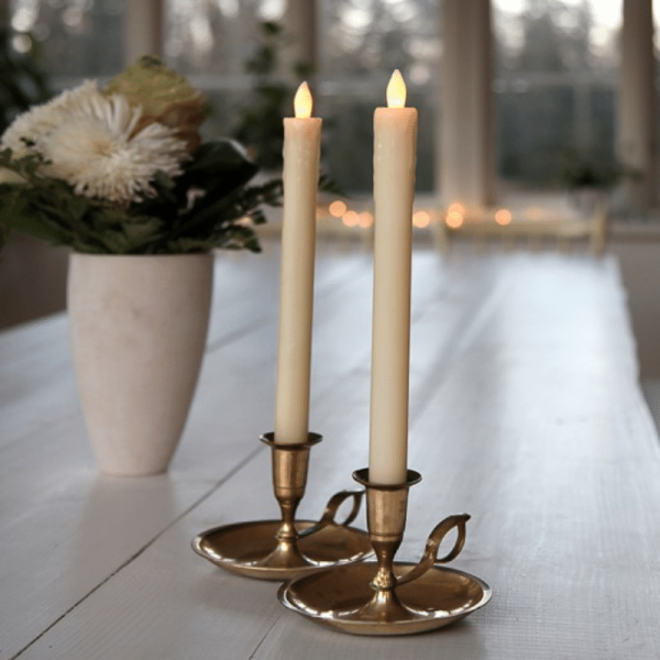 "LED Stabkerze ""Presse"" - Echtwachs - flackernde warmweiße LED - H: 25cm - creme - 2er Set"