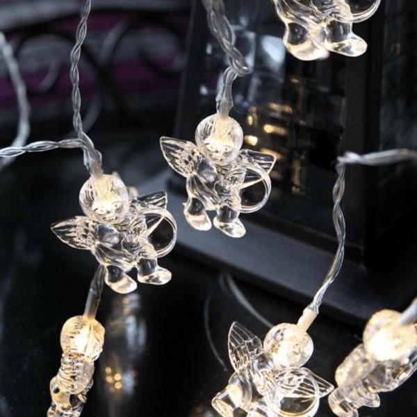 LED Lichterkette mit Engeln - 10 warmweiße LED - Batteriebetrieb - Timer - 1,35m - transparent
