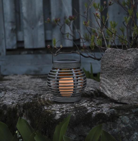 "LED-Solar-Laterne ""Rotang"" - grau mit warmweißer LED - 16x16x16cm - Dämmerungssensor 2"