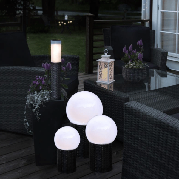 LED-Gartenkugel - Solar Line Outdoor - Rattanoptik-Sockel - →20 x ↑36cm - Warmweiß