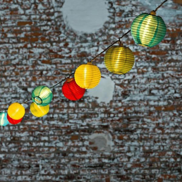 LED-Party-Lichterkette - Lampion Line Outdoor - 9,75m - 40x Bunt - Weißes Kabel
