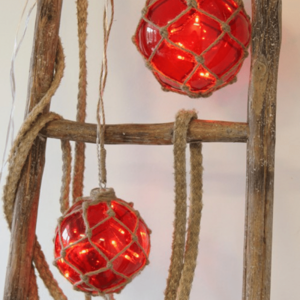 "LED Glaskugel ""Noah"" im Garnnetz - 8 warmweiße LED - hängend - D: 12cm - rot"