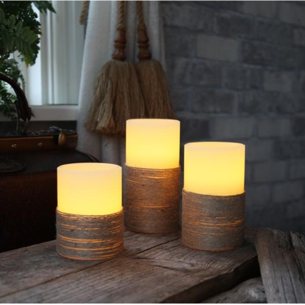 """LED Kerze """"Rope"""" - Echtwachs - mit Seil umwickelt - flackernd - Timer- H: 15cm, D: 7,5cm - weiß"""