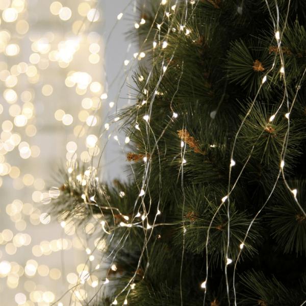"""LED Lichtbündel """"Dew Drop"""" - 125 weiße LED auf 10 silbernen Drähten - 2700K - 1,4m - inkl. Trafo"""