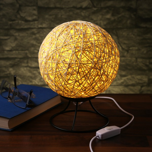 "Dekolampe ""NEST"" - Bastkugel mit 6 warmweißen LEDs - dimmbar - USB - D: 15cm"