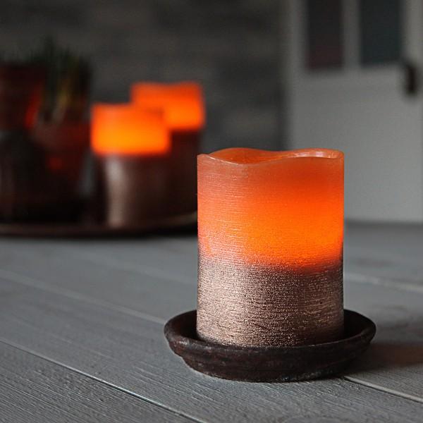 LED Kerze COOPER - Echtwachs - geschwungene Oberkante - flackernd - Timer- H: 10cm, D: 7,5cm