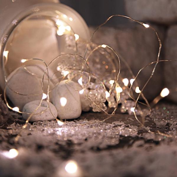 """LED Lichtbündel """"Dew Drop"""" - 46 weiße LED auf 5 silbernen Drähten - 2700K - 1m - Batteriebetrieb"""
