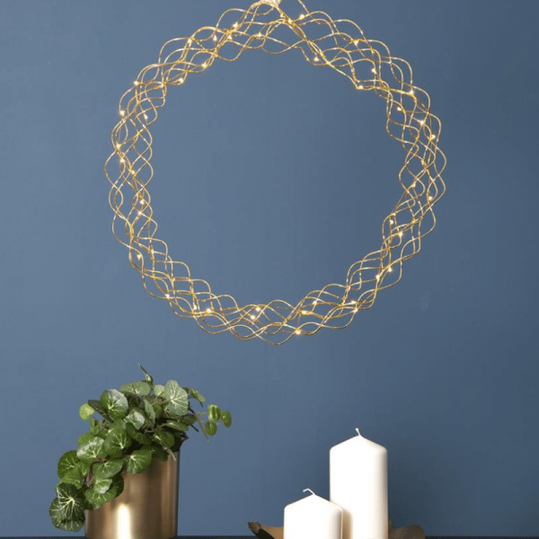 """LED Kranz """"Curly"""" - 50 warmweiße LED - D: 45cm - Material: Metall - gold"""