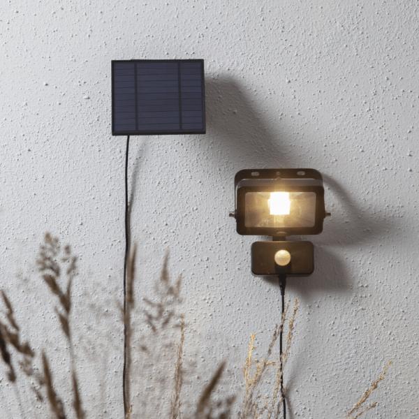 """LED Solar Strahler """"Powerspot"""" - warmweiß - 800lm - mit Bewegungsmelder und Lichtsensor - H: 16cm"""