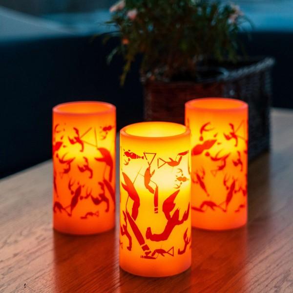 LED Kerze mit Krebsmuster - Echtwachs - H:12,5cm - D:7,5cm - indoor - Timer