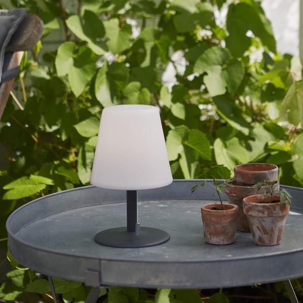 LED Garten Tischlampe - H: 26,5cm - weißer Lampenschirm, D: 16cm - Batteriebetrieb - Outdoor