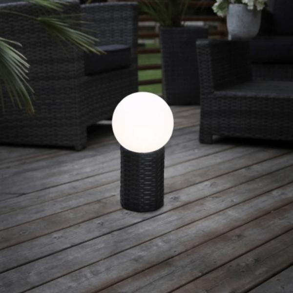 LED-Gartenkugel - Solar Line Outdoor - Rattanoptik-Sockel - →25 x ↑47cm - Warmweiß
