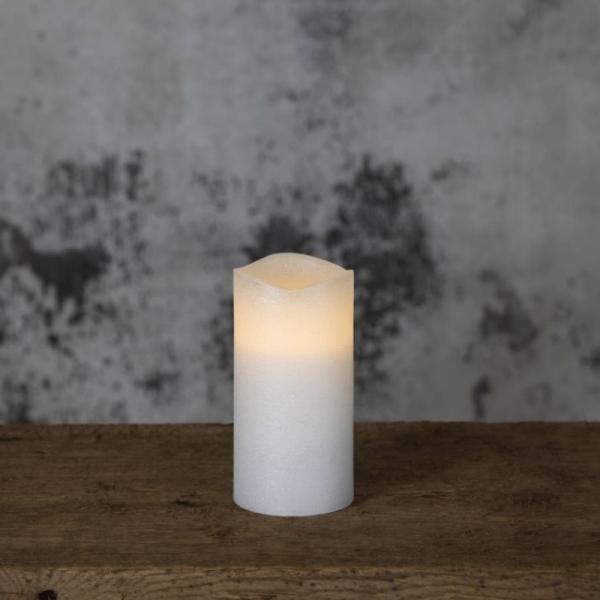 "LED Kerze ""Presse"" - Echtwachs - flackernde LED - Flammenschalter - Timer - H: 15cm, D: 7,5cm - weiß"
