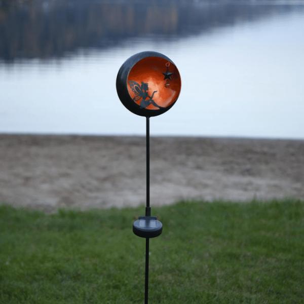 """LED Solarstab """"Fee""""- schwarz - amber LED - innen beleuchtete Kugel - H: 76cm - Dämmerungssensor"""