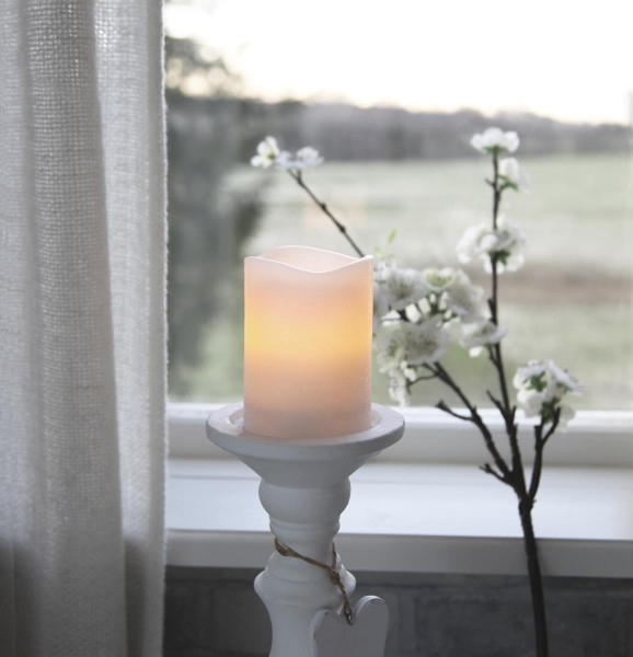 "LED Kerze ""May"" - Echtwachs - flackernde LED - Timer - H: 10cm, D: 7,5cm - weiß"