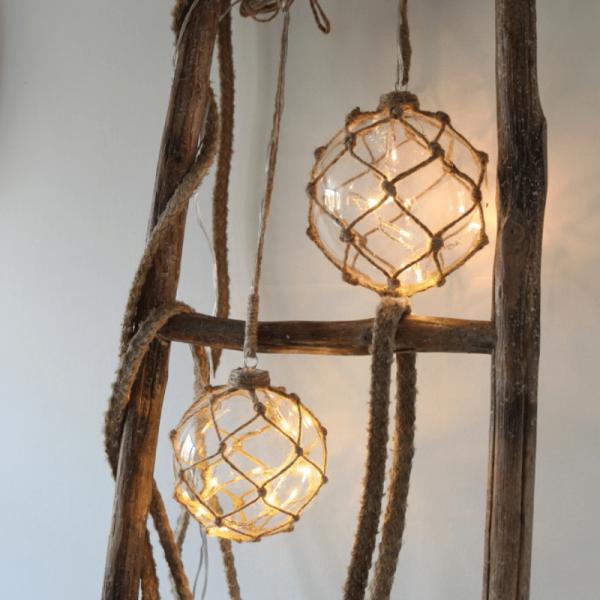 """LED Glaskugel """"Noah"""" im Garnnetz - 8 warmweiße LED - hängend - D: 14cm - transparent"""