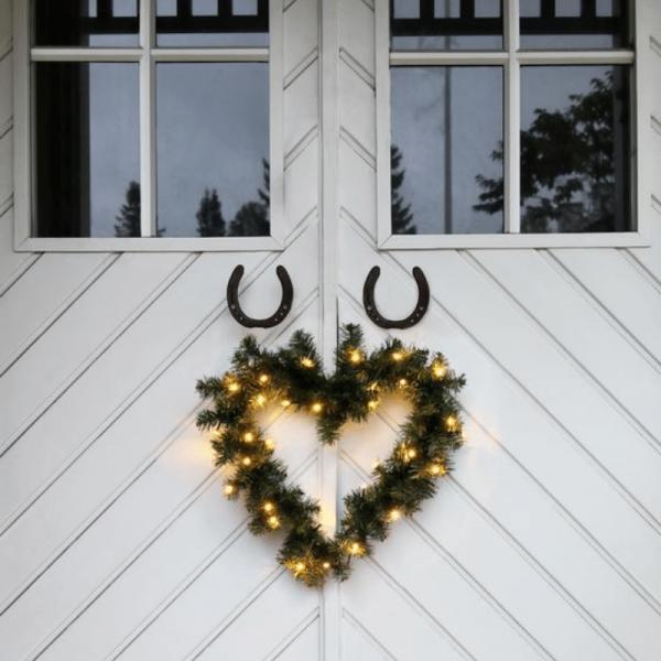 LED-Weihnachtskranz - Ottawa Line Outdoor - 30x Warmweiß - 0,50m - Grün - Herzform