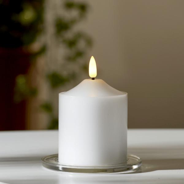 """LED Stumpenkerze """"Flamme"""" - Echtwachs - warmweiße 3D Flamme - H: 12cm - Batteriebetrieb - Timer"""